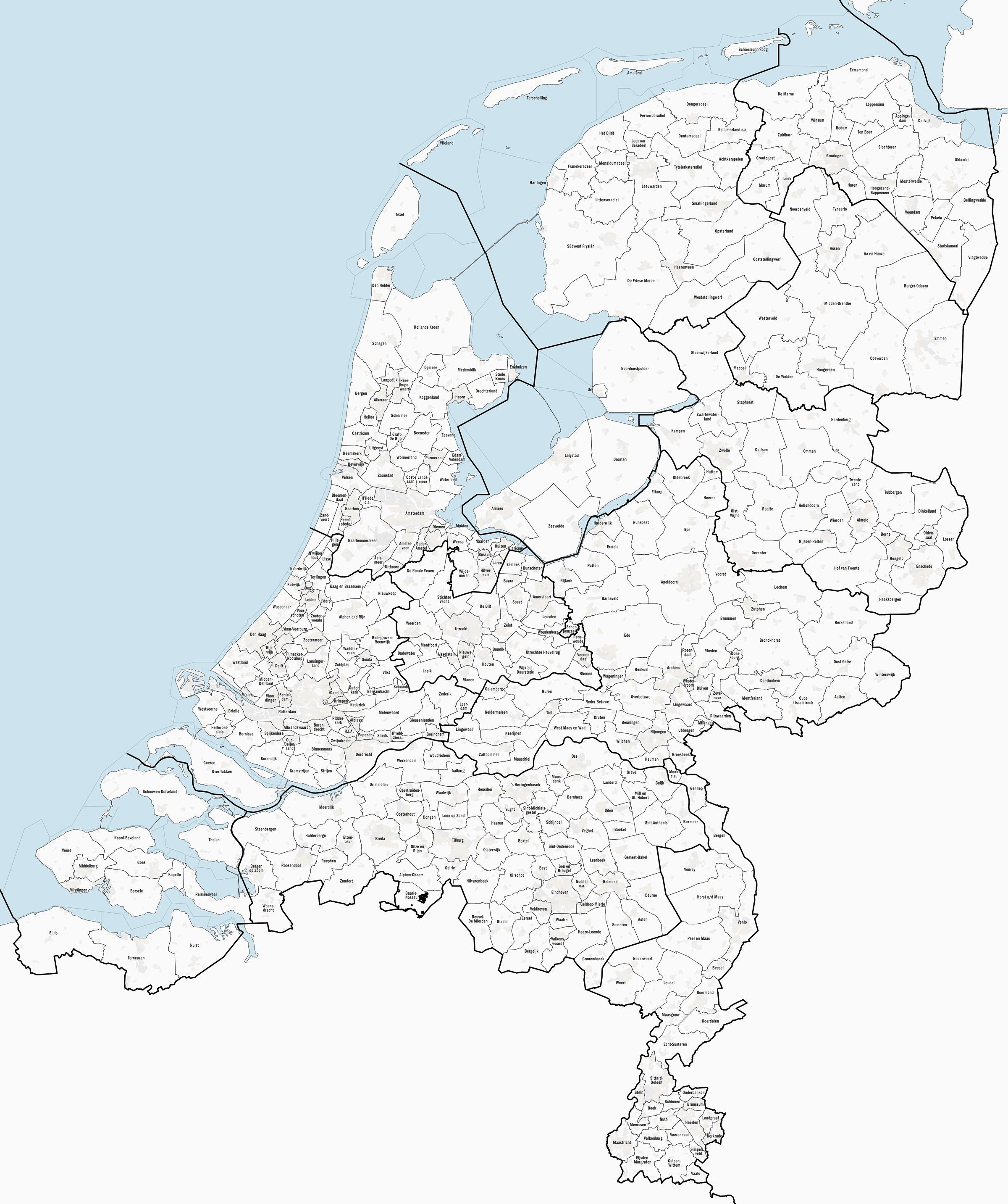 Kaart van Nederlandse gemeenten per 1-1-2014, samengesteld uit open geodata, o.a. Basisregistratie Topografie. Door Janwillemvanaalst via Wikimedia.