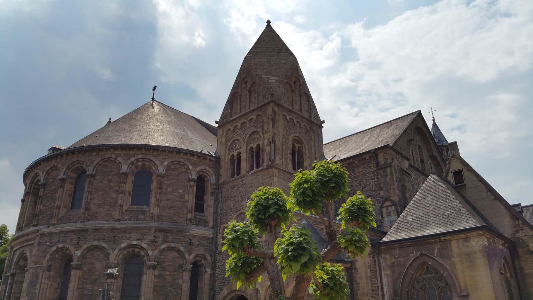 Oudste kerken vn Nederland