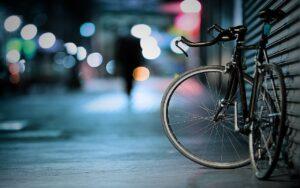 Reflecterende groene strook vergroot veiligheid fietsers